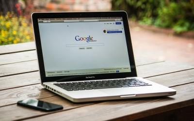 Od Bostonu do Gołębia – historia zmian wyszukiwarki Google