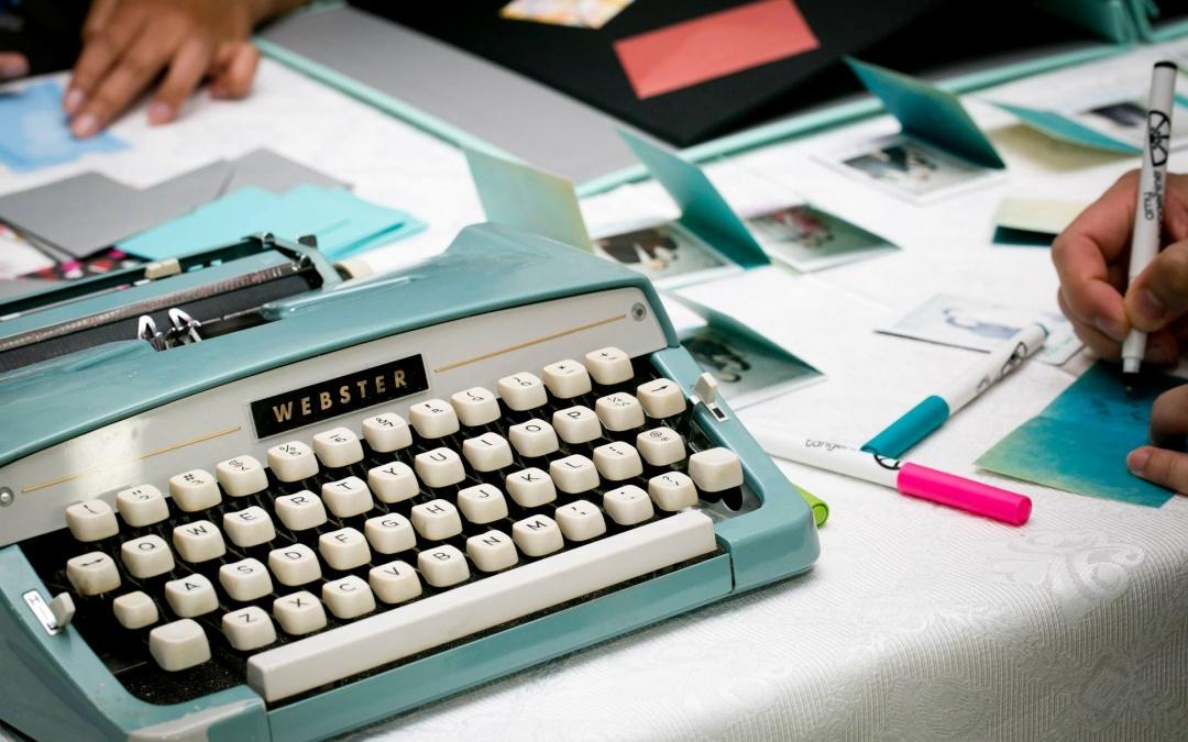 Odłóż długopis i poznaj 11 nowych narzędzi do pisania contentu