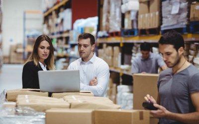 Zwiększ sprzedaż: jakie słowa warto pozycjonować w branży logistyczno – magazynowej