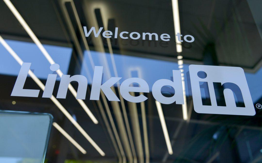 Jak pisać posty na LinkedIn? 5 wskazówek, które pomogą Ci przykuć uwagę odbiorców